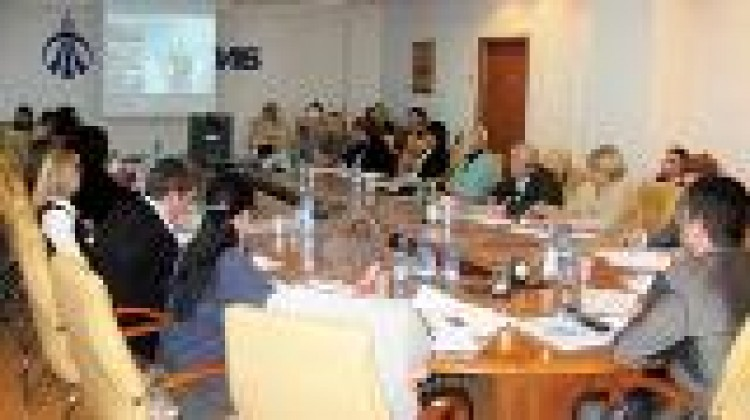 Круглый стол «Подведение итогов 2010 года. Перспективы развития благотворительной программы «Добровольцы» Детского Фонда «Виктория» на территории Краснодарского края в 2011 году»