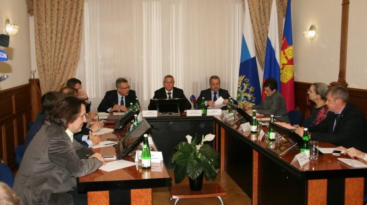Прокурор края Леонид Коржинек встретился с членами Общественной палаты Краснодарского края