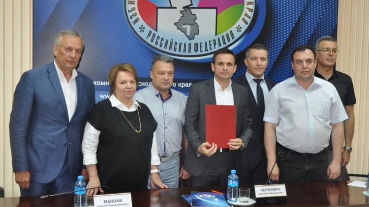 Представители СПЧ при губернаторе Краснодарского края приняли участие в работе круглого стола по вопросам взаимодействия в сфере наблюдения и общественного контроля за избирательным процессом