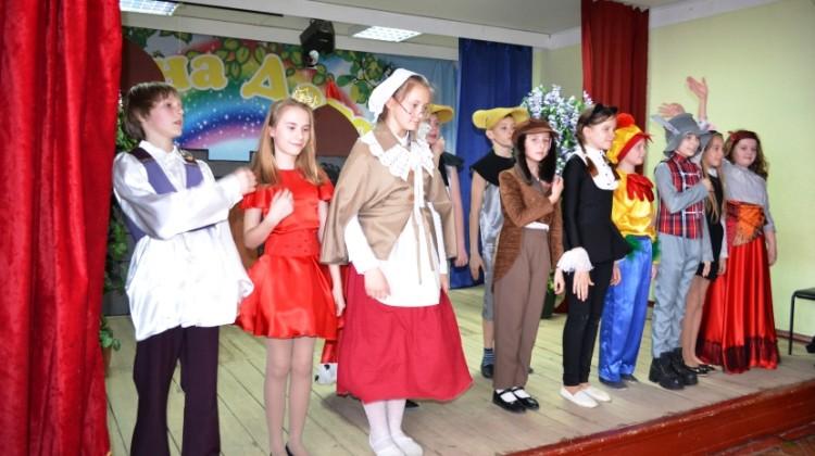 В станице Северской прошел фестиваль-конкурс детских любительских театральных коллективов образовательных организаций  «Белая ворона»