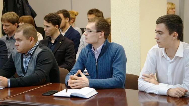 Слушатели Молодежной школы правовой и политической культуры обсудили роль общественного наблюдения на выборах