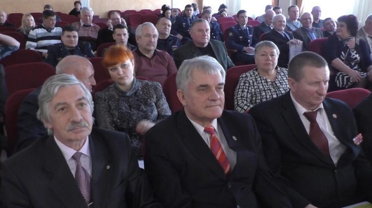 Членов Совета наградили благодарственными письмами и медалями