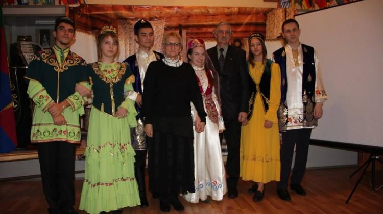 Члены Совета Михаил Джурило и Наталья Назаренко стали почётными гостями на татарской свадьбе