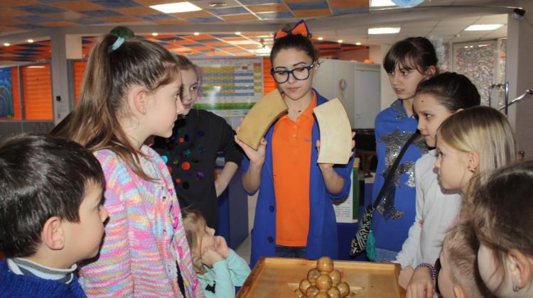 В музее «ЭйнштейниУм» юные динчане постигали чудеса науки