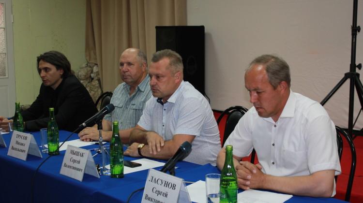 Общественники приняли участие во встрече с жителями Псебая
