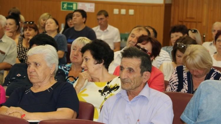 Новокубанский район с рабочим визитом посетила делегация членов общественного Совета по развитию гражданского общества и правам человека при губернаторе Краснодарского края