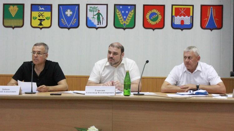 Полностью обновить: Совет Новокубанского района рекомендовали набрать заново