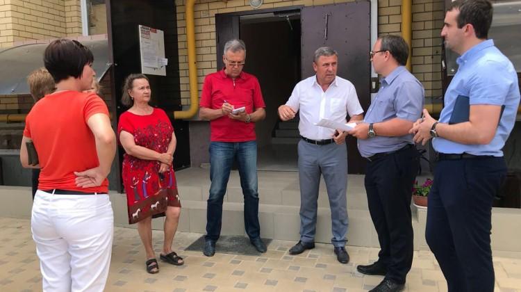 Итоги выездного заседания Совета в Горячем Ключе: «двойка» за состояние дел в ЖКХ