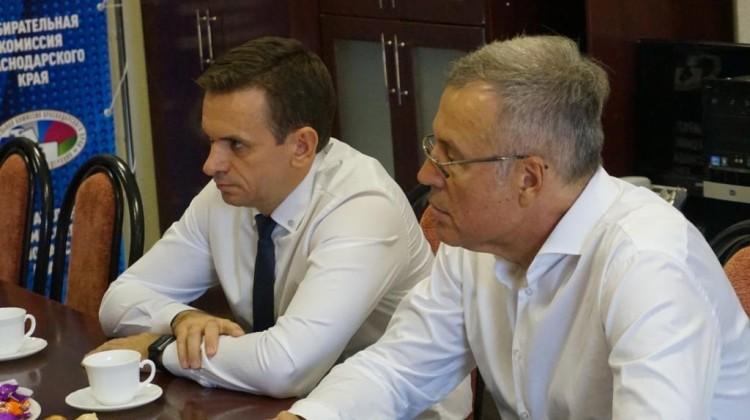 Председатель краевой избирательной комиссии встретился с представителями Мониторинговой группы общественного контроля