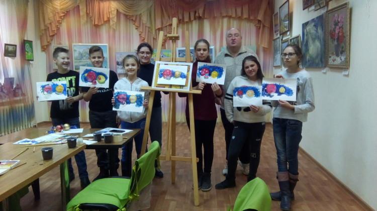 В Краснодарском центре реабилитации искусством имени Николая Котлярова прошел мастер класс от педагога- художника