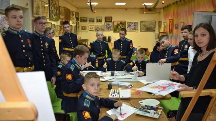 Кадеты Президентского кадетского училища нарисовали салют вчестьДняПобеды