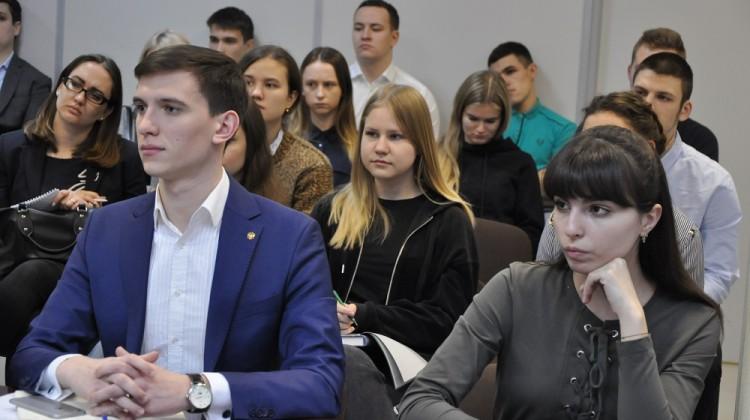 Андрей Зайцев выступил в качестве лектора в Крайизбиркоме