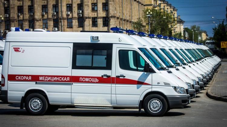 В муниципалитеты Кубани передали 11 автомобилей скорой помощи