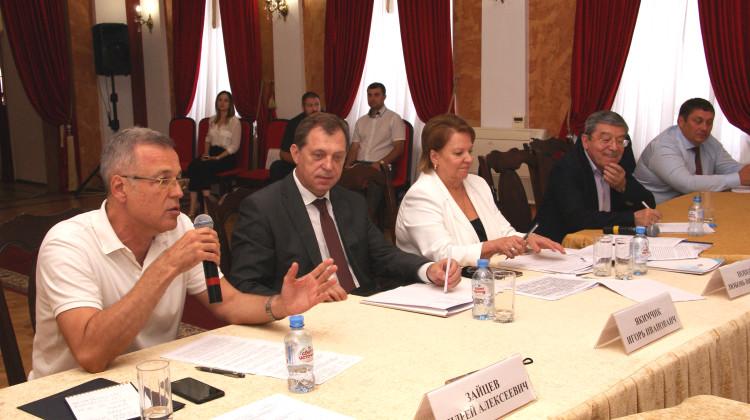 Андрей Зайцев внес свои предложения в ходе выездного совещания Общественных палат ЮФО и СКФО РФ