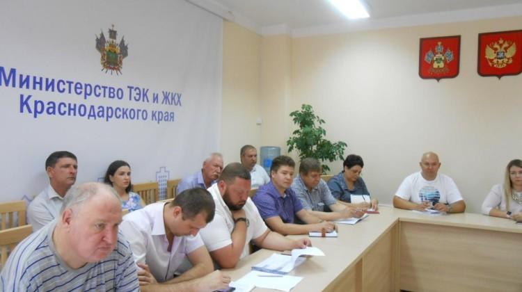ЧленыСовета при губернаторе приняли участие вобсуждениидеятельностиСРО