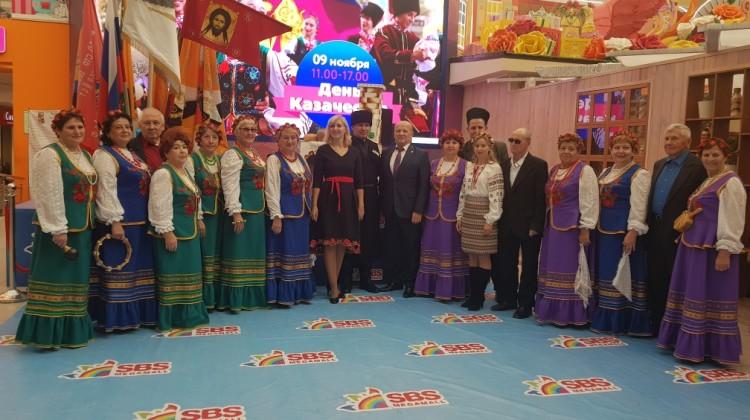 Заместитель председателя Совета Станислав Бабин поздравил казаков с праздником