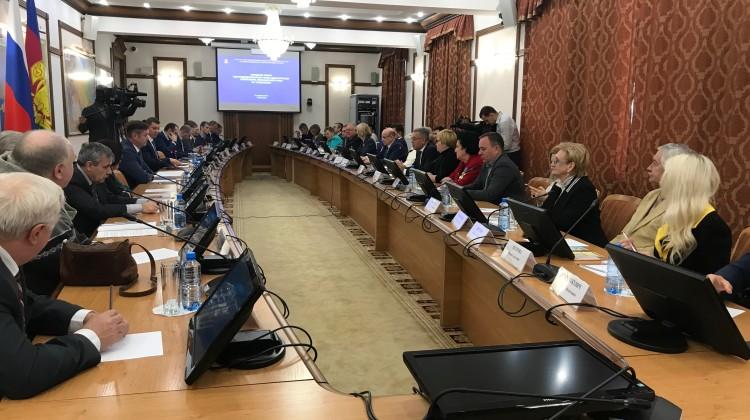 В Краснодаре 13 декабря прошло заседание Совета по правам человека