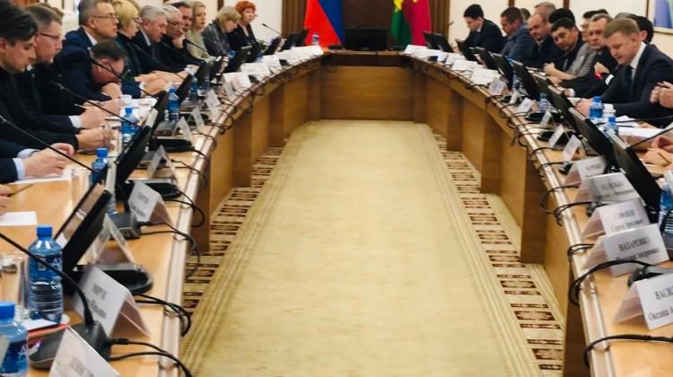 Совет направит предложения в ходе обсуждения поправок в Конституцию страны