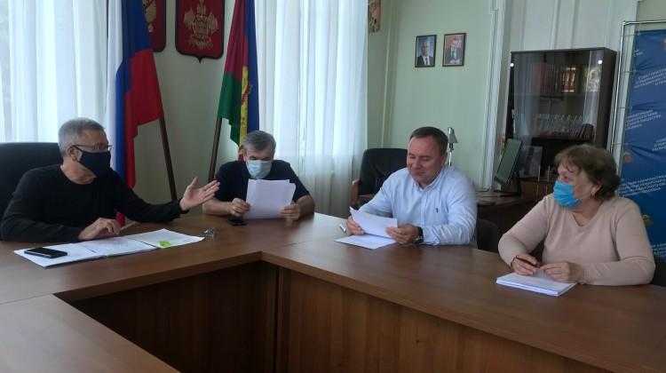 Вопросы ЖКХ обсудила комиссия Совета в режиме офф-лайн