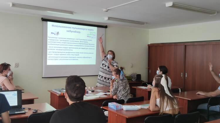 Комиссия ЗОЖ информирует: распознать и лечить астму учат участников Школы здорового дыхания