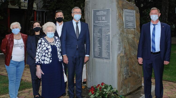 Советник губернатора почтил память жертв политических репрессий