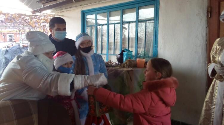 Жителям села Свободное подарили новогодний праздник