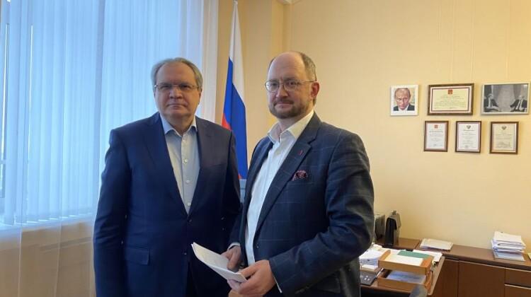 Валерий Фадеев обсудил работу Фонда поддержки детей с тяжелыми заболеваниями