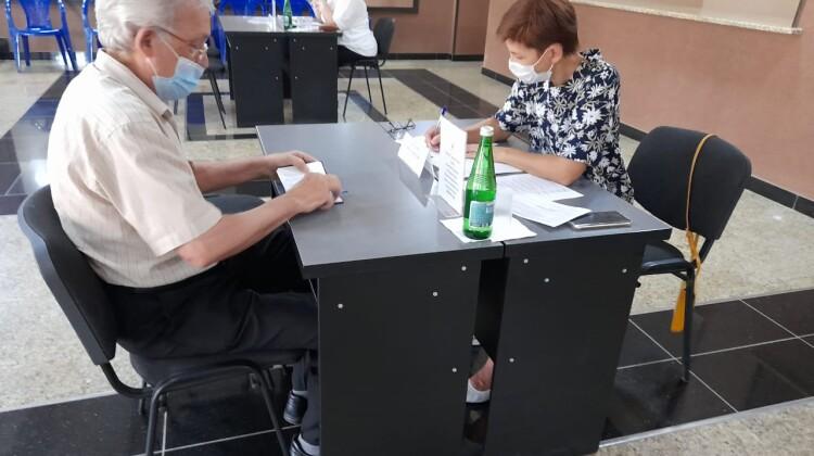 Члены Совета приняли участие в работе Мобильной приемной губернатора
